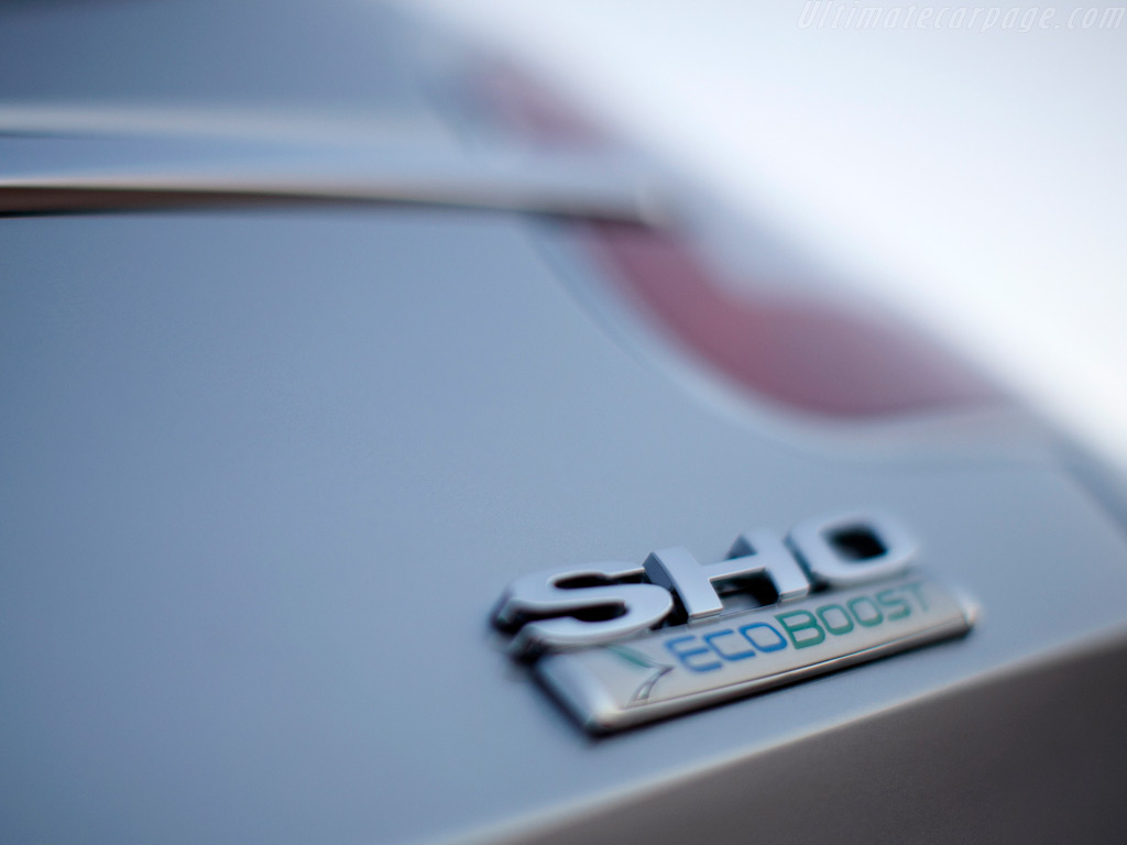Ford Taurus SHO High Resolution Image (8 of 12)